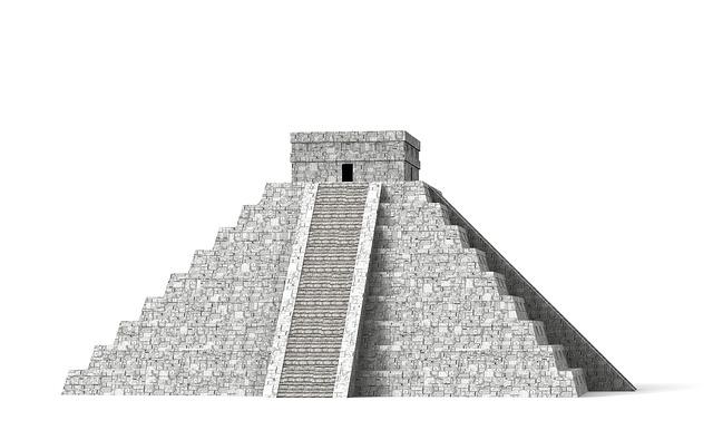 piramida ke empat