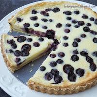 http://www.bakingsecrets.lt/2014/07/blueberry-cream-cheese-tart-melyniu-ir.html