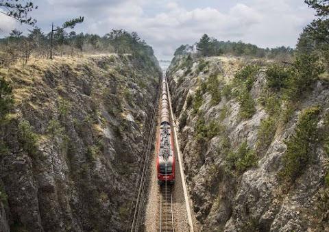 Szlovénia nem von be más országot a Koper-Divaca vasútvonal építésébe