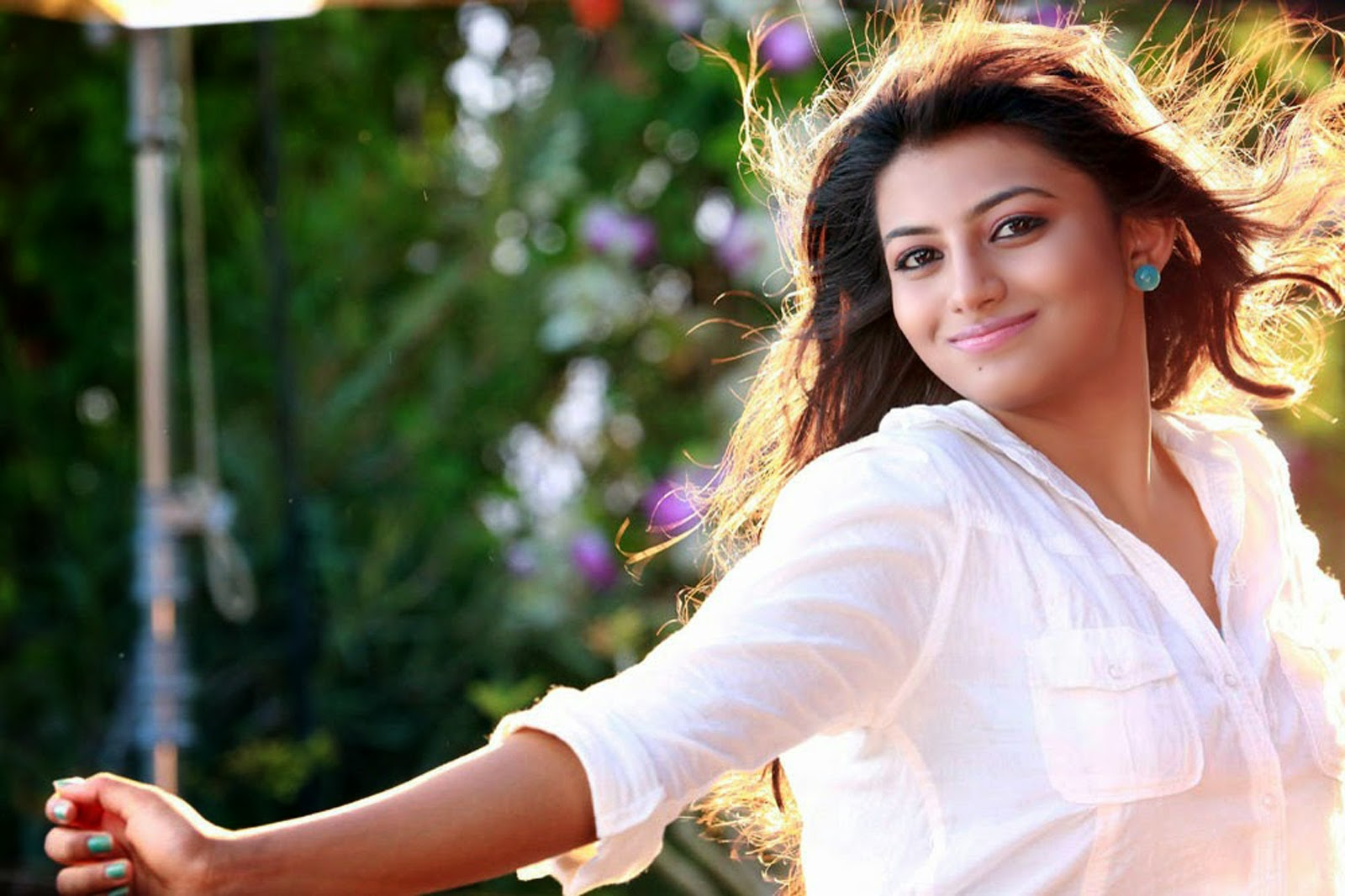 Actress Wallpapers Download: Rakshitha HD Wallpapers Download