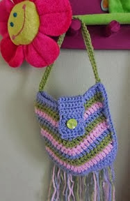 http://www.ravelry.com/patterns/library/hippy-purse