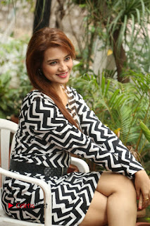 Actress Saloni Latest Pos in Short Dress  0215.JPG