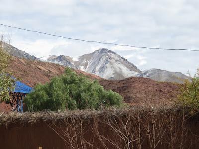 Pueblo Viejo etwas Schnee auf dem Hausberg