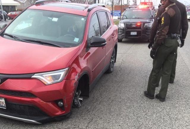 toyota pneu furado suv eua américa tire polícia