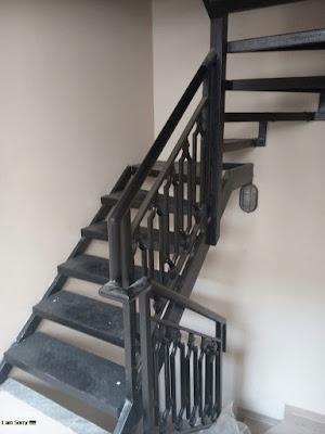 tangga besi tempa untuk rumah mewah