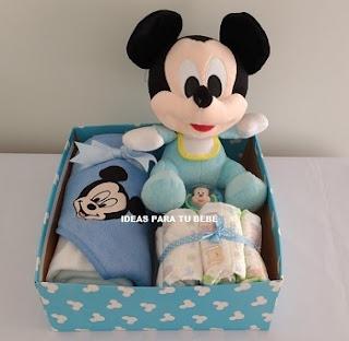 Canastilla de regalo mickey bebé