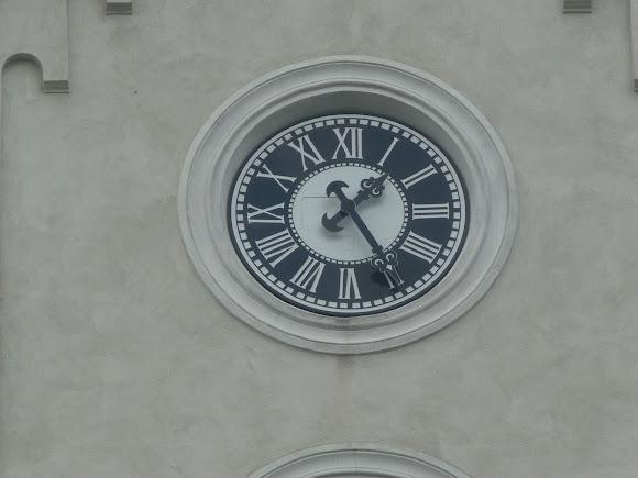Костел Семи скорбот Діви Марії. Годинник