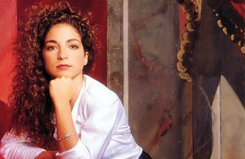 Gloria Estefan - Midis