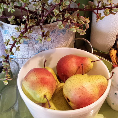Those pretty inedible pears in a white bowl.  ©2017 She Must Make Art.  Christy Sheeler
