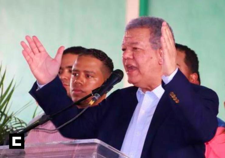 """Leonel jura que emprenderá una """"segunda transformación económica, social, medioambiental y cultural"""""""