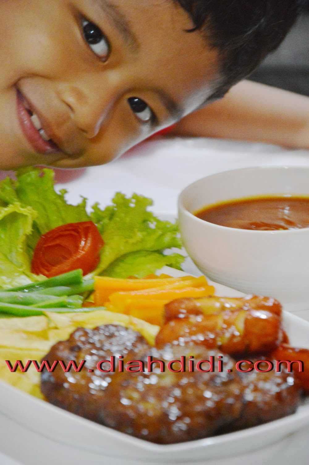 Diah Didis Kitchen Steak Daging Cincang Sosis