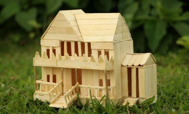 Cara Membuat Rumah dari Stik Es Krim beserta Gambarnya