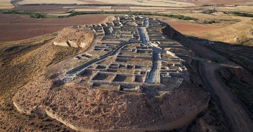Hallan el campamento romano que asedió y destruyó la ciudad de Cabezo Alcalá, en Azaila (Teruel)