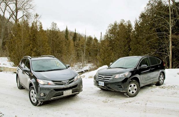 hondayes comparison 2013 honda crv vs 2013 toyota rav4. Black Bedroom Furniture Sets. Home Design Ideas