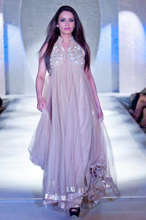 Fashion World Latest Fashion: Pakistan Fashion Week London