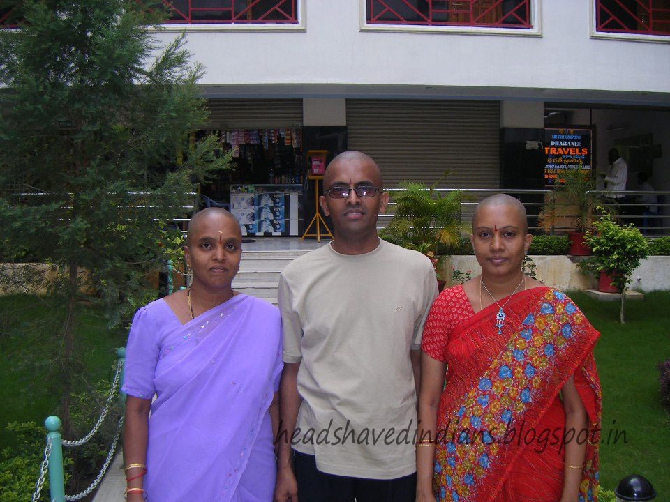 Head Shaved Indians: Indian Family Women's Head Shaved in Temple
