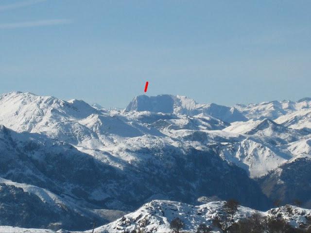 Rutas Montaña Asturias: Vista de Tiatordos