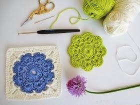 Tığ işi Renkli Kare Çiçek Modeli