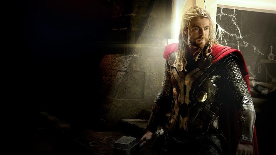 Thor 3 | Imagem apresenta novo visual do Deus do Trovão, a heroína Valquíria e a vilã Hela