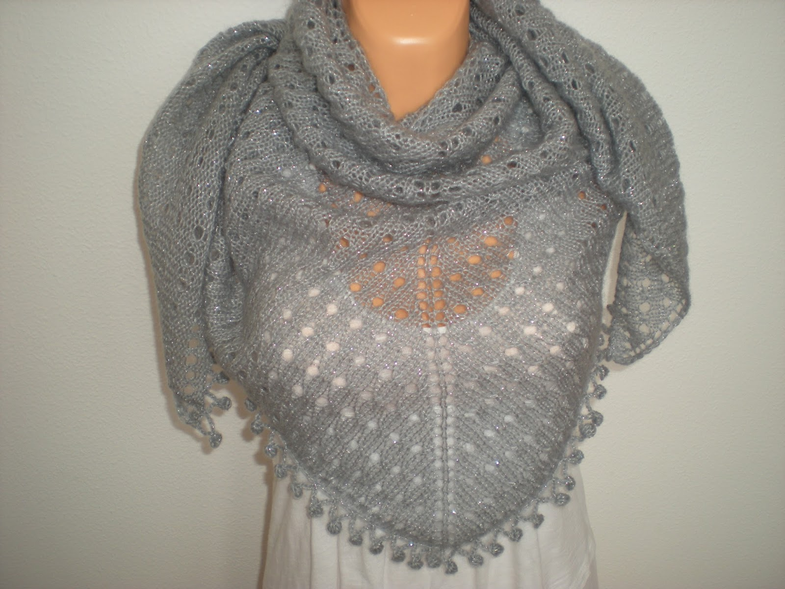Knitting Edges Together : Emmhouse knitted shawl free pattern