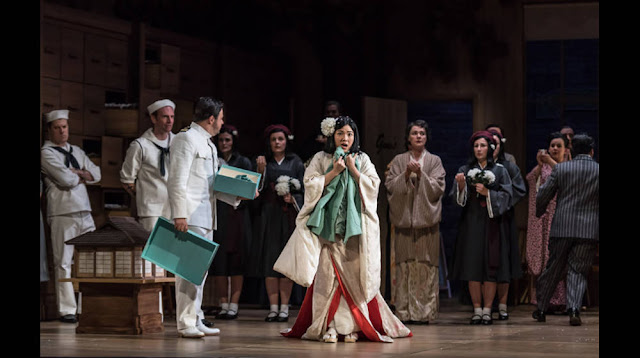 Glyndebourne on Tour - Madama Butterfly - Matteo Lippi, Karah Son - photo CLive Barda