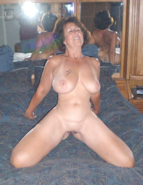 Amateur grannies with big tits