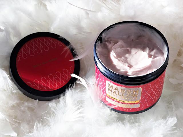 avis Marshmallow Body Soufflé - Pink Jasmine & Strawberry de Bath & Body Works , blog beauté, blog bougie, blog parfum