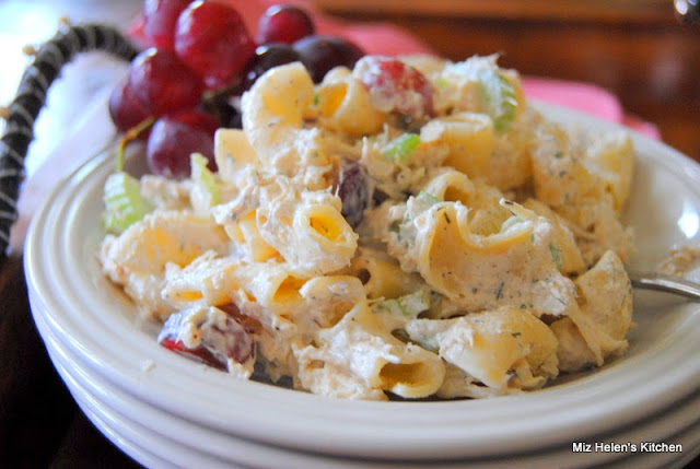Ladies Club Chicken Salad at Miz Helen's Country Cottage
