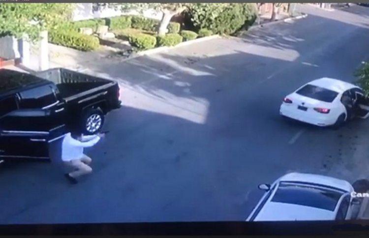 Video:  Comandante de la CES de Chihuahua enfrenta a balazos a sicarios que intentaron ejecutarlo