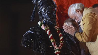Chính phủ Ấn Độ cũng xây dựng bức tượng thứ hai trị giá 5,8 nghìn tỷ rupiah.