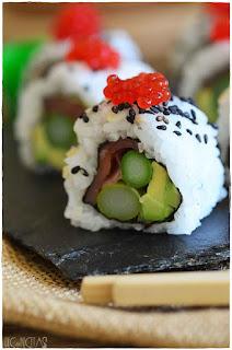 rollos de sushi uramaki- receta de uramaki sushi- sushi casero- como hacer sushi en casa- nigiri sushi- hosomaki