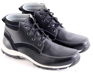 Sepatu Boots Pria Model Keren  L 146