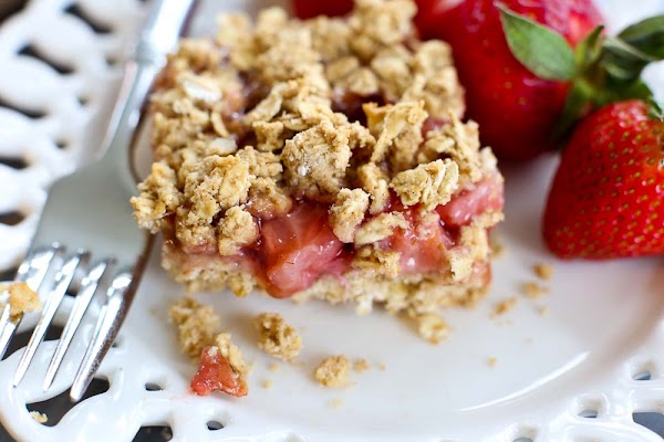 strawberry oatmeal bars (vegan and gluten free)