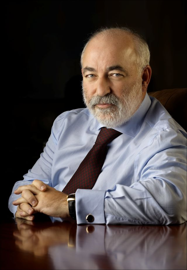 Viktor Vekselberg  Bank of Cyprus board member and largest single shareholder      percent stake   Russian aluminum tsar  reportedly worth         billion