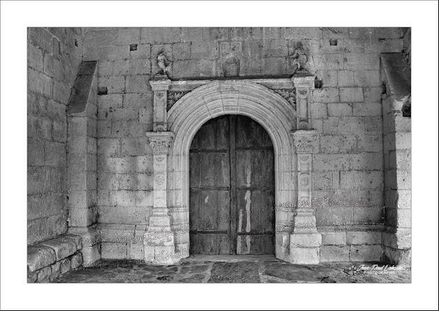 porche-eglise-de-parnay-maine-et-loire