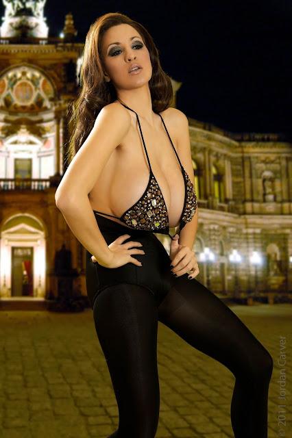 Jordan-Carver-Manege-sexy-photoshoot-hd-hot-image-13