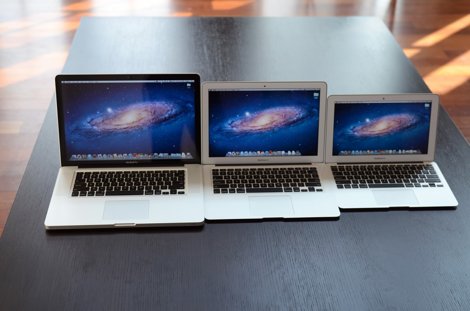 Ini Bedanya Apple MacBook, MacBook Air dan MacBook Pro - Berita