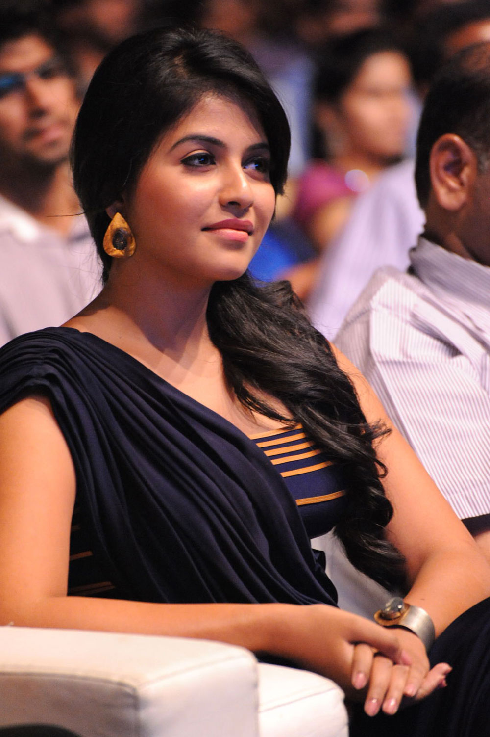 hot sexy Anjali gorgeous looking photos at balupu audio