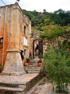 http://dimitrissiregelas.blogspot.gr/2013_05_01_archive.html