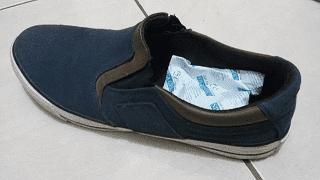 cara menggunakan silica gel pada sepatu