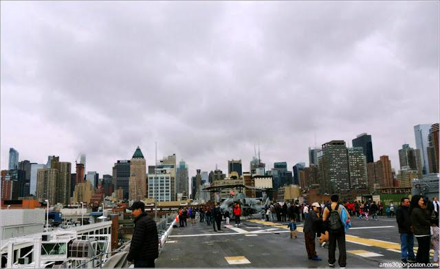 Vistas desde la Cubierta de un Barco durante la Fleet Week de Nueva York