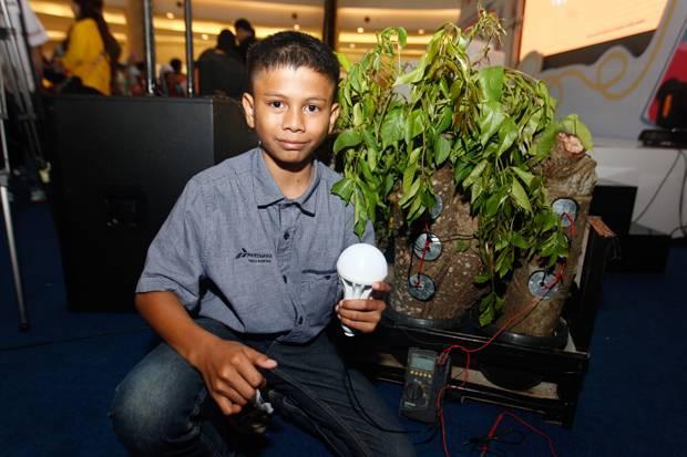 Bocah dari Aceh Ini Sulap Pohon Kedondong Jadi Sumber Listrik