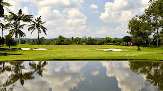 Padang golf Narmada
