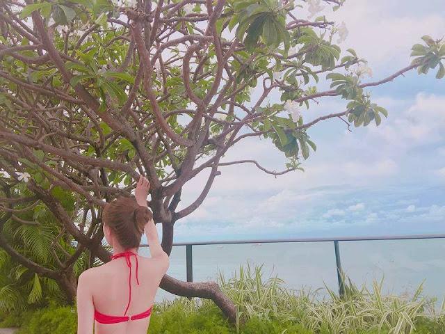 STELLAR Jeonyul Showcases Her Bikini Body