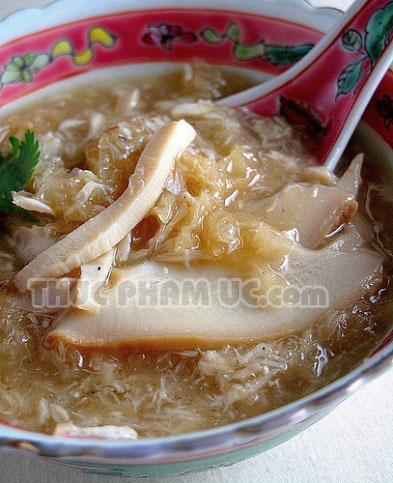 chế biến nhiều gia vị cho món súp bào ngư