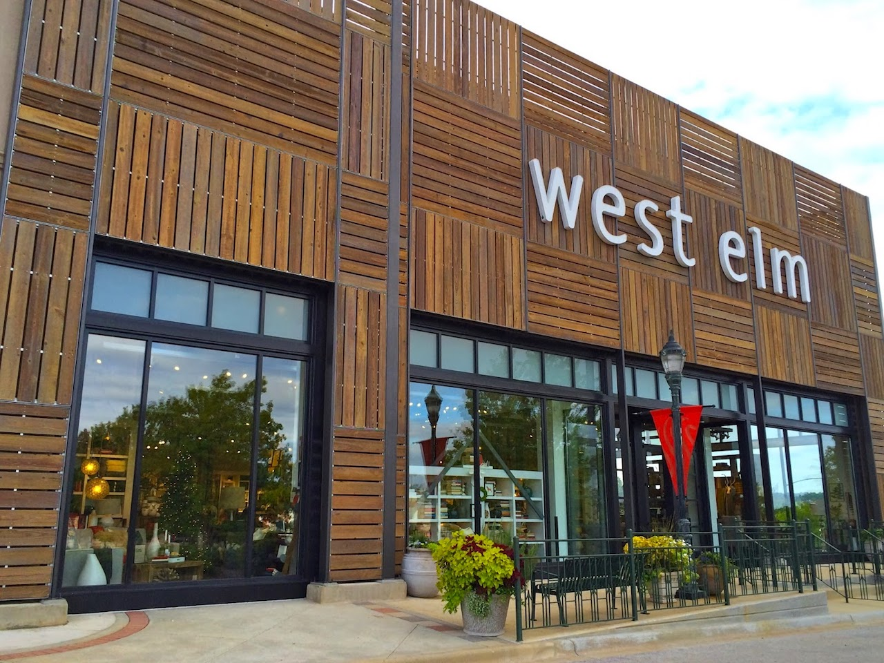 west elm a division of san francisco based williams sonoma was launched in 2002 and opened its first atlanta area store at atlantic station in 2005 - West Elm Store