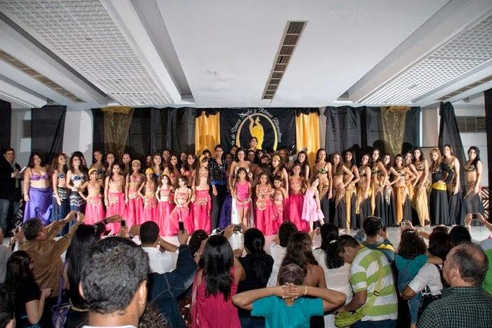Academia de Danza Árabe y Ritmos Alternativos celebra su 5to ... 9fafe1e03c4