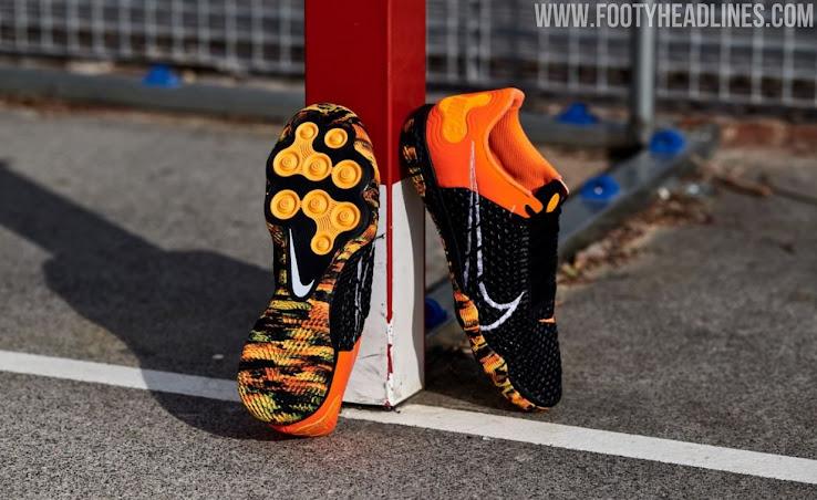 Nightfall' Nike React Gato Futsal Shoes Released - Footy Headlines
