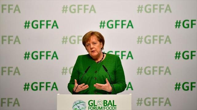 Merkel pide a Europa un sistema de armas independiente de EEUU