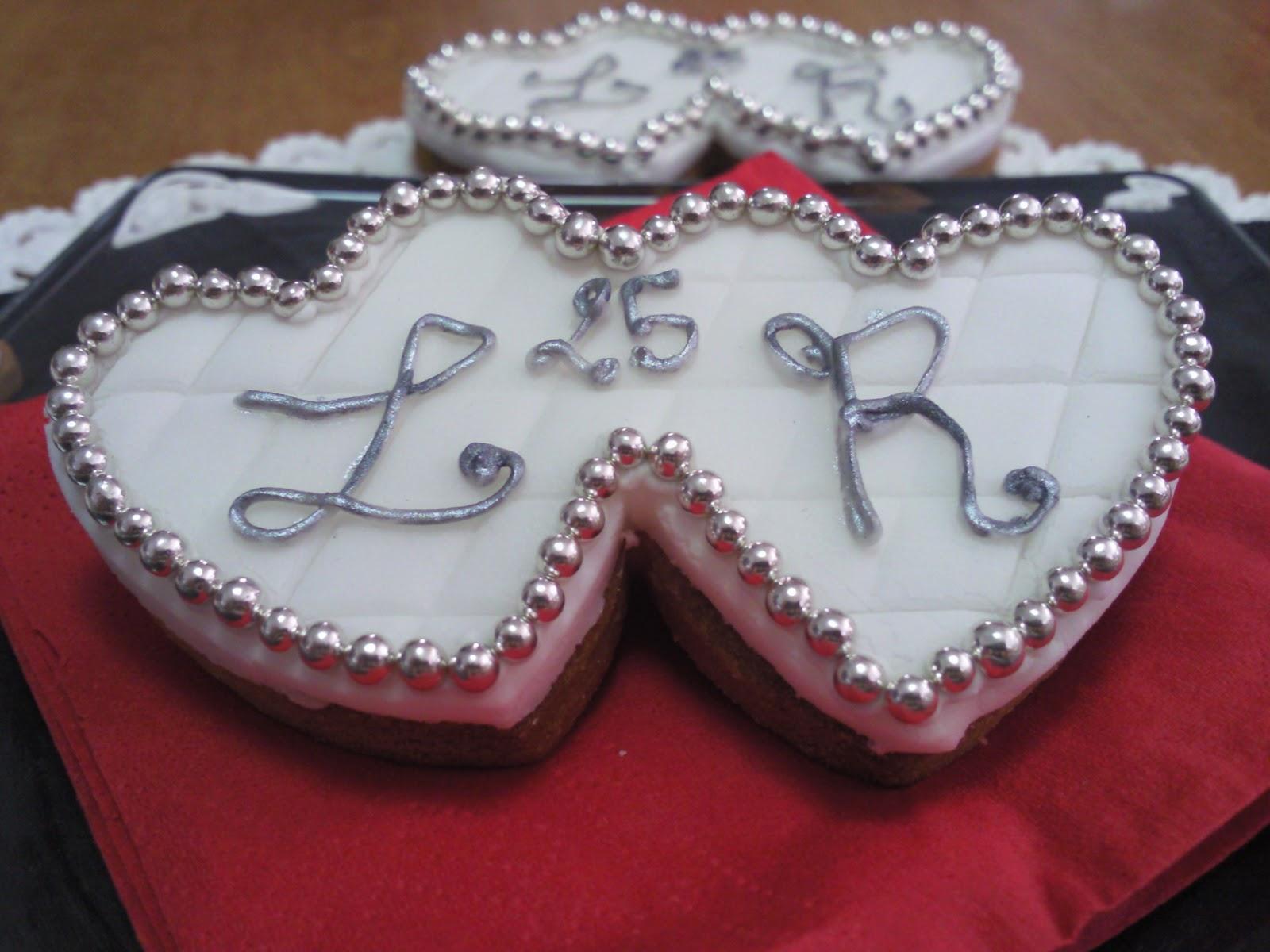 Favoloso L'Angolo dolce di Federica: Torta per 25° Anniversario di  GW83